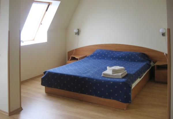 На фото комната из категории «люкс»