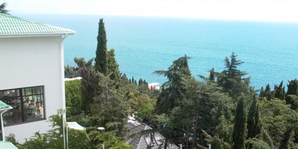 Вид на море из отеля «Сказка»