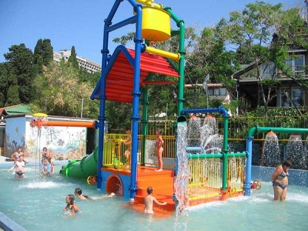 Детский игровой комплекс на воде