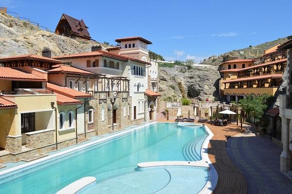 Открытый бассейн отеля «Солдайя Гранд»