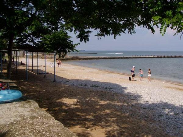 """Пляж, прилегающий к территории санатория """"Восход"""""""