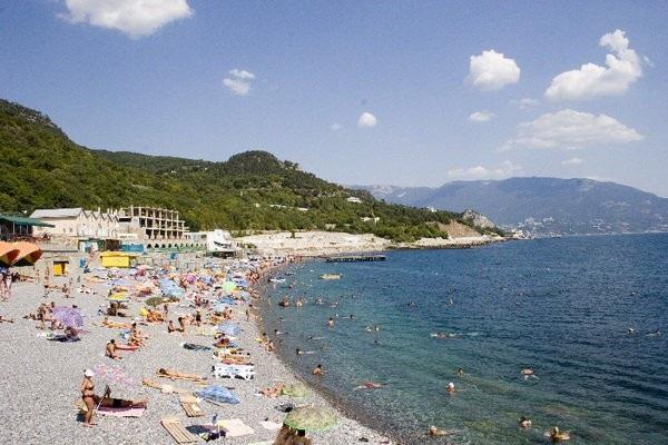 Пляж, прилегающий к территории здравницы