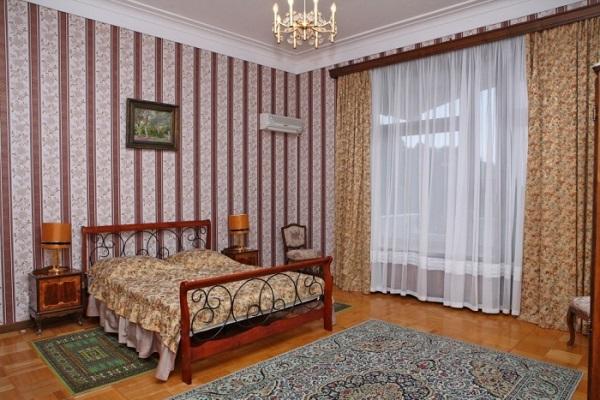 Спальня из трехкомнатного люкса