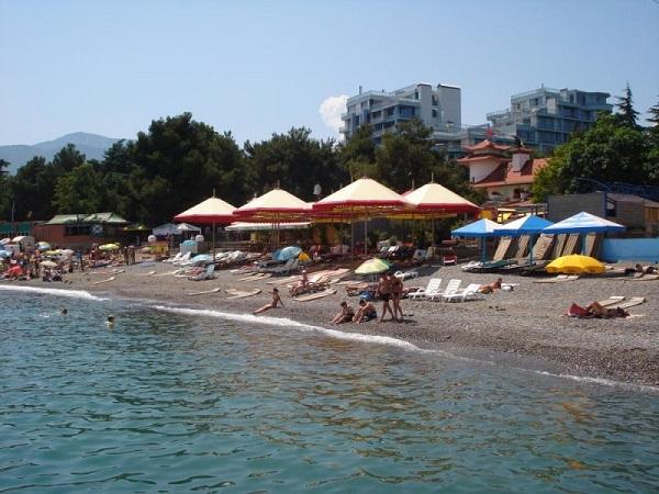 Пляж, относящийся к территории отеля