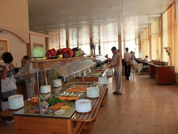 Ресторан в отеле Демерджи