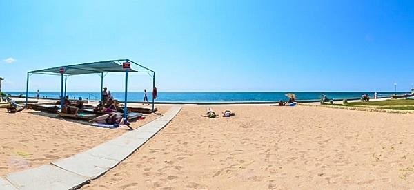 Пляж, относящийся к собственности санатория