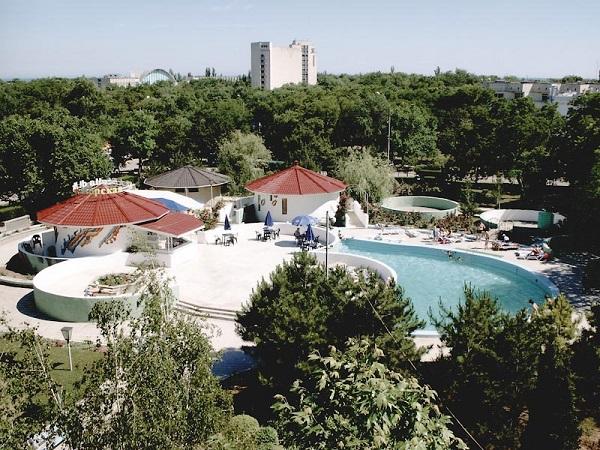 Территория санатория «Орен-Крым»