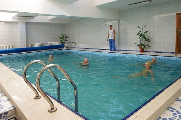 Бассейн санатория Приморье