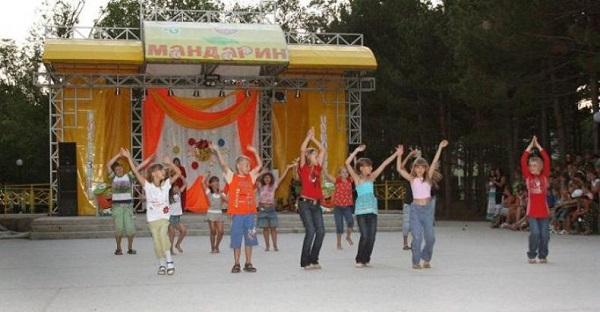 Концертный зал в детском лагере
