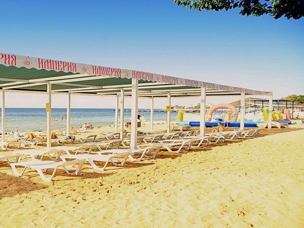 Пляж, прилегающий к территории дома отдыха
