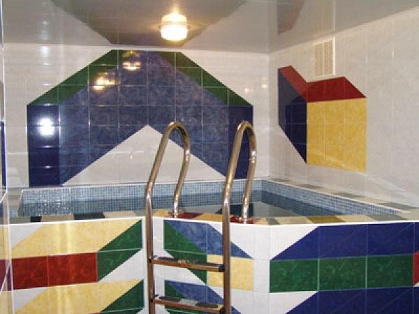 Бассейн в сауне гостевого дома «Дельта»