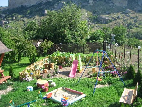 Детская игровая площадка гостиницы «Алимова Балка»