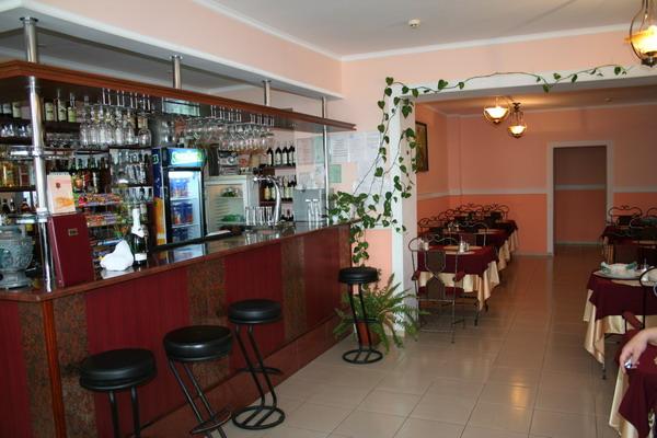 Бар и ресторан в отеле Ас-Эль