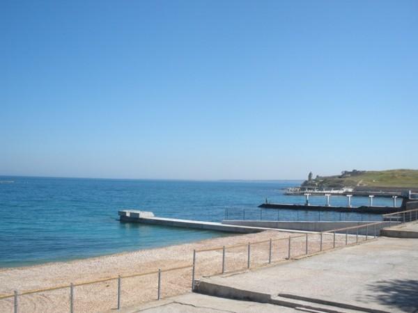 Пляж, прилегающий к территории отеля «Песочная бухта»