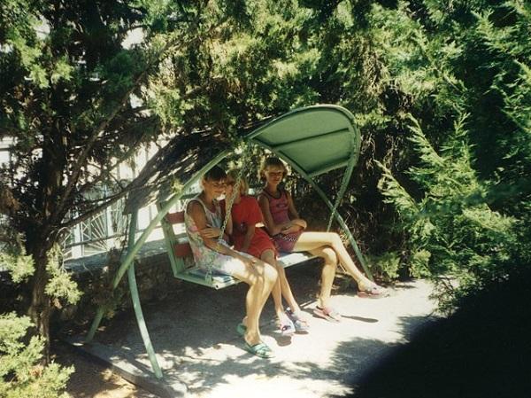 Парковая зона на территории лагеря