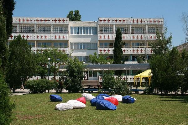 Один из корпусов детского лагеря