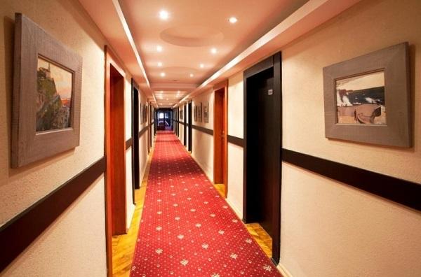 Внутренний интерьер отеля «Украина»