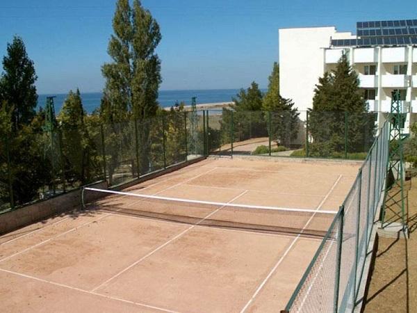 Теннисный корт в санатории Альбатрос