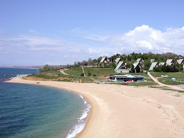 Пляж, принадлежащий базе отдыха им. Мокроусова